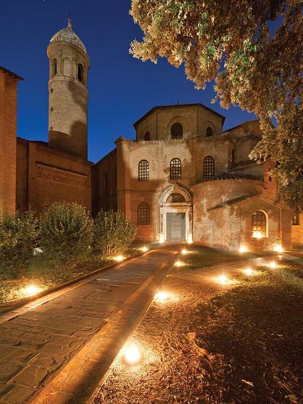 basilica_san_vitale_notte_foto_archivio_comune_ravenna_nicola_strocchi