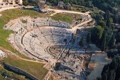 Sic8_Teatro_greco_di_Siracusa_-_aerea