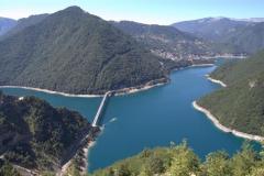 Pivsko-jezero-pogled